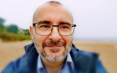 Prof. ucz. dr hab. Adam Świeżyński