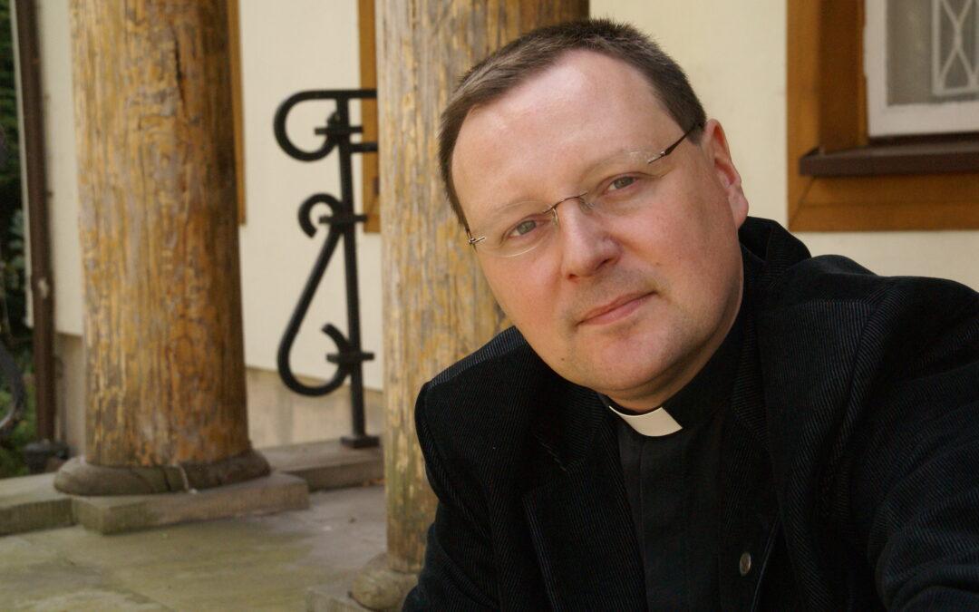 Prof. ucz. dr hab. Jacek Grzybowski